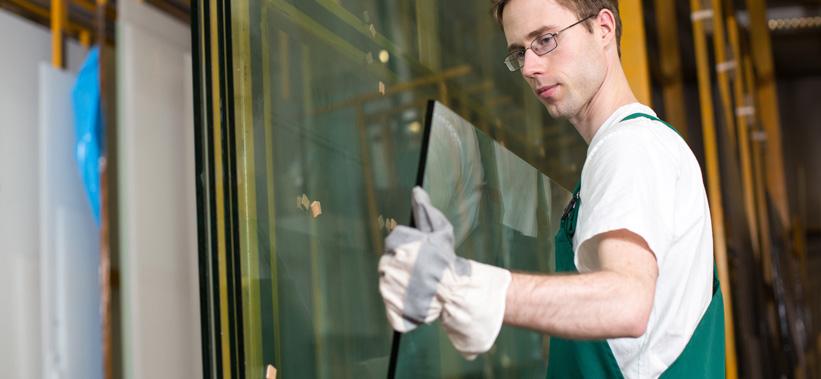 Lavorazione e trattamento del vetro vetreria squillante for Vetreria re