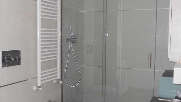 box-doccia-scorrevole-anta-centrale-2-lati-fissi